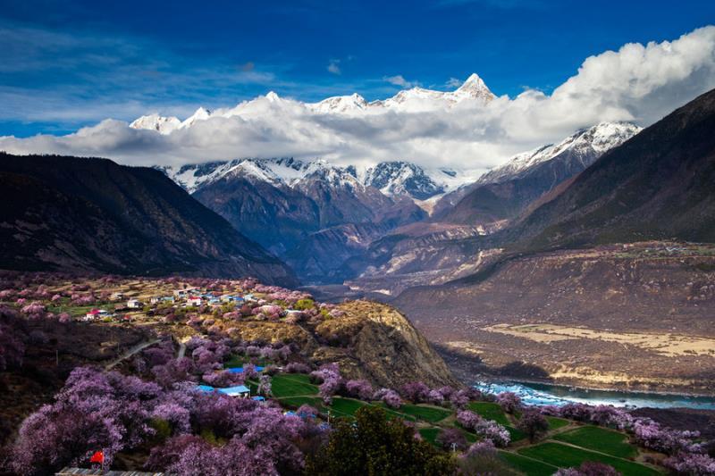 西藏林芝桃花+中国最美雪山+最美冰川+然乌湖7天深度创作
