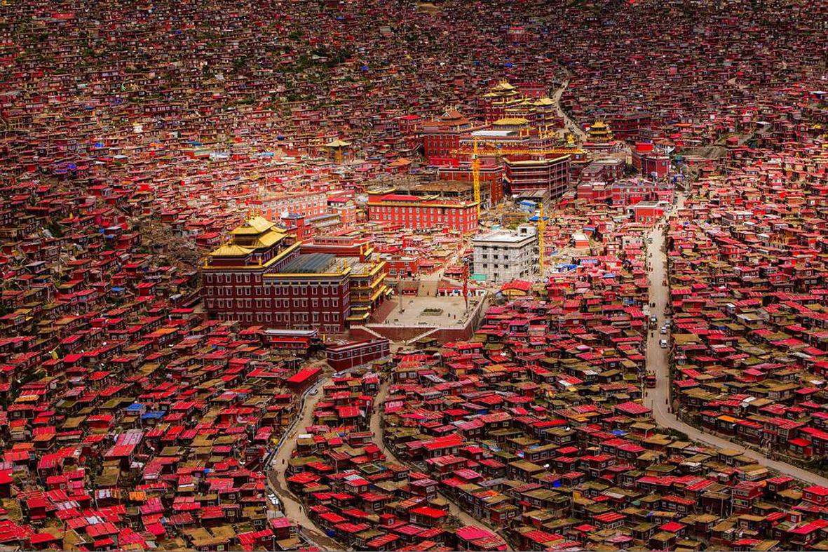 稻城亚丁-佛国色达-蜀山之王贡嘎-川西秘境措卡湖,12日专业摄影团